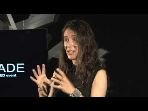 Why Socratic Dialogue should become our business card | Sira Abenoza | TEDxESADE