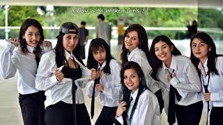 Wicked Girls  E   Amigo Secret