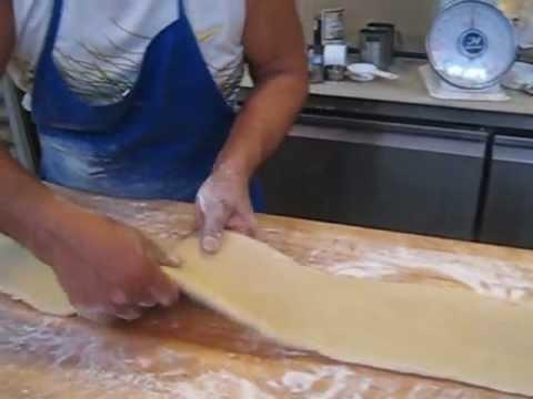 How to make Empanada Dough.AVI