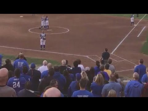 Fans sing national anthem after announcer says it wouldn't be played