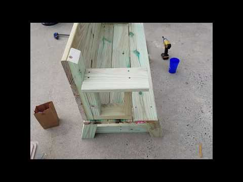 Folding bench / table