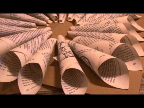 How to Make a Wreath Using an Old Book