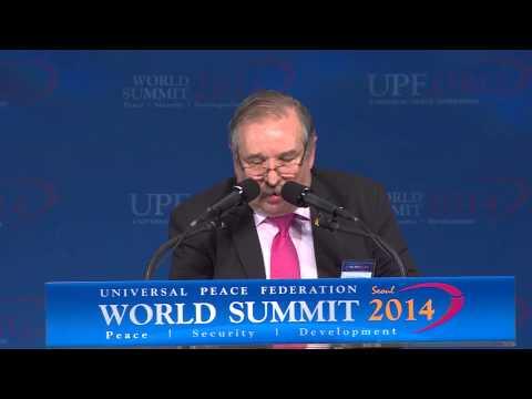 Dr.  Julio Schlosser (in Spanish) - World Summit 2014