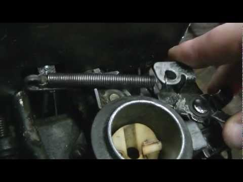 How a Briggs and Stratton Push Mower engine governor/throttle linkage is set up, and how it works.