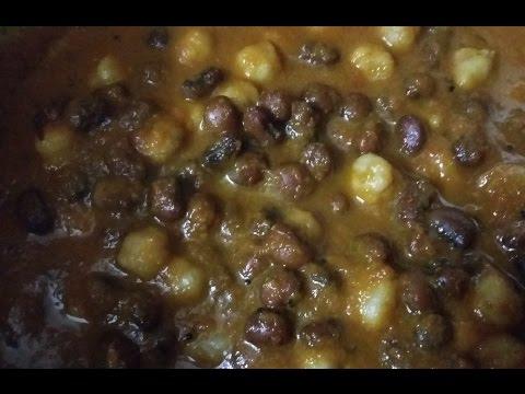 Channa karamani masala gravy for chapathi, poori, other tiffin items recipe in tamil