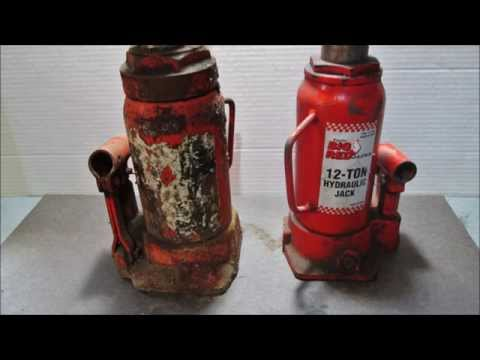 Hydraulic Bottle Jack clean and paint