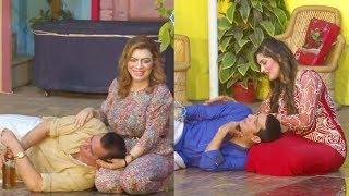 Nasir Chinyoti and Zafri Khan Stage Drama Guddi Udaie Jaa Comedy Clip 2019