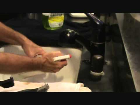 Cleaning a sink counter edge