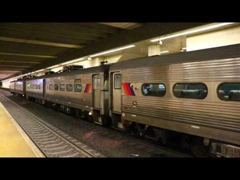 New Jersey Transit : New York Penn Station Bound Train Of Arrow IIIs @ Secaucus Junction