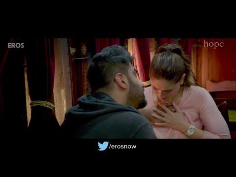 Xxx Mp4 Arjun Kapoor Pressing Kareena Kapoor Boobs Hot Scene From Ki Amp Ka 3gp Sex