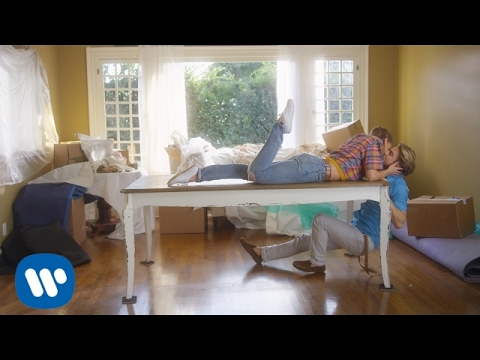 Michael Bublé - I Believe in You [OFFICIAL MUSIC VIDEO]