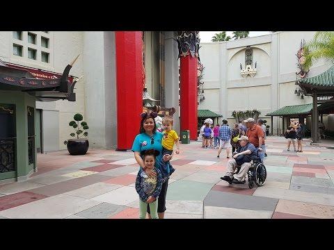 HollyWood Studios Disney World December 2015 T-ReX