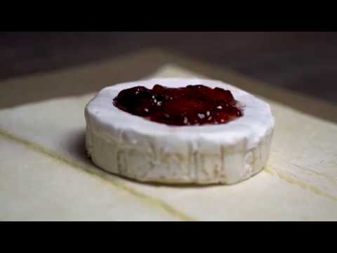 Pepper Jelly Brie in Puff Pastry