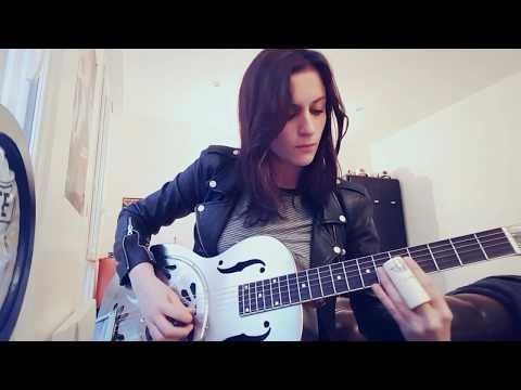 Laura Cox - Ramblin' Bones cover - (Tyler Bryant & the Shakedown)