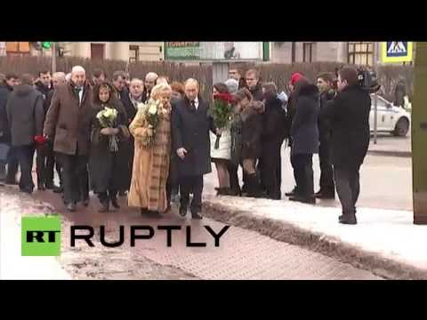 Russia: Putin pays respects to Anatoly Sobchak