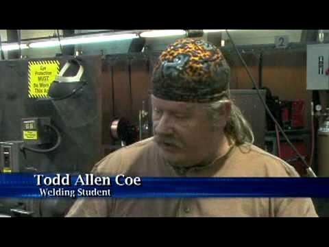 Oklahoma school helping the unemployed