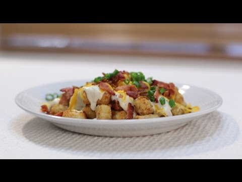 How to make Tot Chos (Tater Tots, Bacon, Gravy, Cheese)