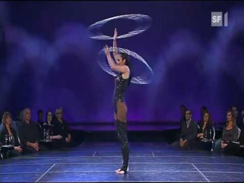 The Best hula hoop act.