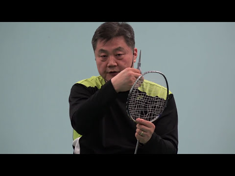 Badminton-Tips for Freshers (13) How to cut a broken racket string