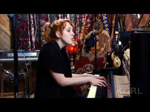 Brooke Waggoner - Heal For The Honey (KGRL FPA Live Session) 720p HD