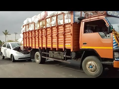 Eicher Truck and Car accident in Karur to Erode Road