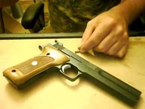 field stripping Smith and Wesson Model 422/622 .22 long rifle pistol