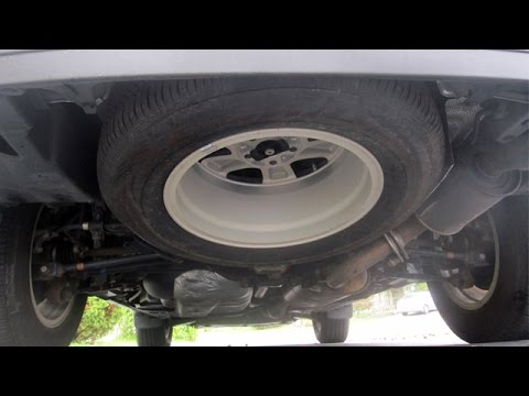 2009 Toyota Highlander - How to Remove a Spare Tire