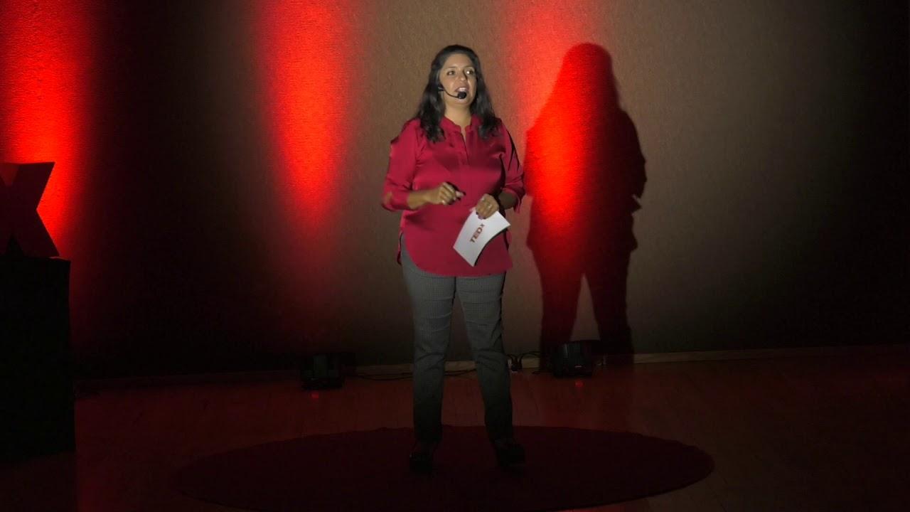 Somos las historias que nos contamos | Martha Gabriela Correa García | TEDxArroyoDeLaPlata