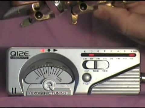 Tuning the Acoustic Guitar with Q12E Exogenic Tuner