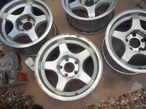How to Strip Clear Coat off Alloy wheels Aluminum Wheels. DULL WHEEL FIX