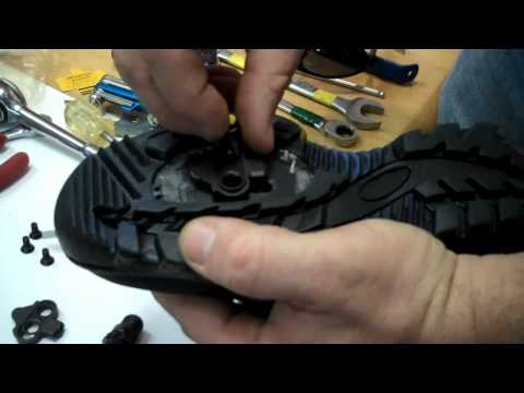 SPD Shimano Clipless Pedals - How-To Guide - BikemanforU