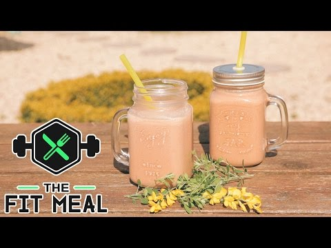 Easy Peanut Butter Banana Smoothie (Protein Powder, Macro's in Video)