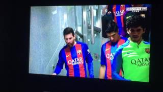 Messi  loses tooth