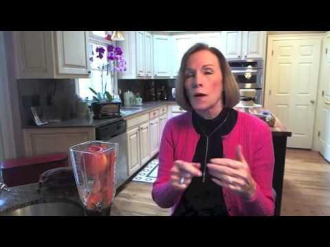 Best Ingredients for a Healthy Smoothie    Kathleen Zelman    UHC TV