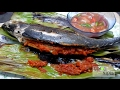 HARDTAIL SCAD FILLED WITH SAMBAL GRILLED IN BANANA LEAVES