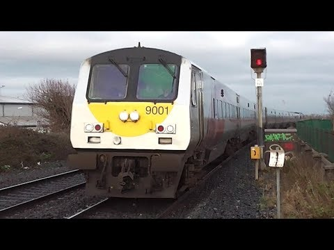 Irish Rail 201 Class Locomotive + Enterprise Train - Balbriggan Station