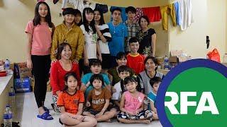 Ba gia đình vượt biên lần hai bị giam tại Jakarta   © Official RFA Video