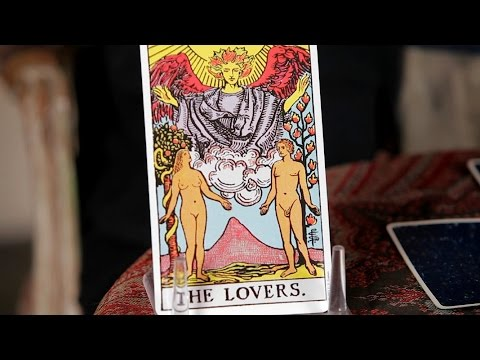 How to Do the 3-Card Spread Reading | Tarot Cards