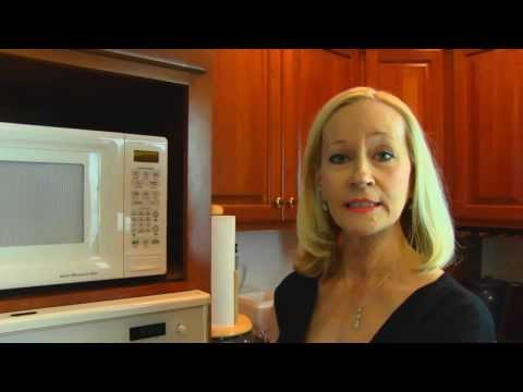 Betty's Quick Tip 115--How to Make Dough Rise Evenly