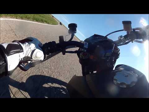 SUPERMOTO VS SUPERSPORT - How to ride a slow bike