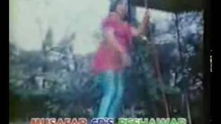 pashtun girl shakes her big pashto(Ass) infront of her punjabi lovers
