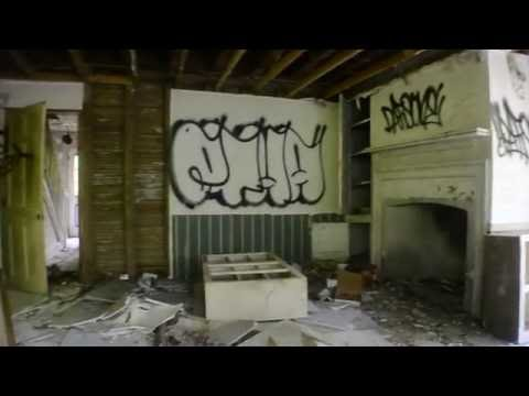 Exploring an Abandoned Railroad Squatter House - NJ