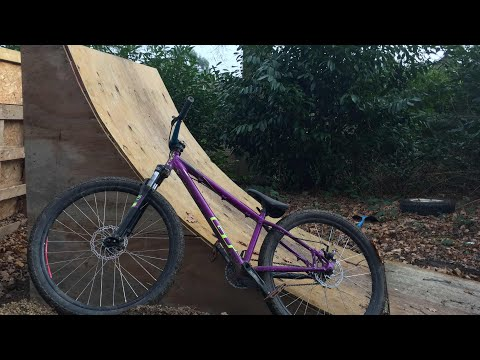 HOW TO EASILY BUILD A QUARTER PIPE