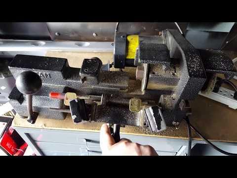 Duplicating a key on a Rytan key machine