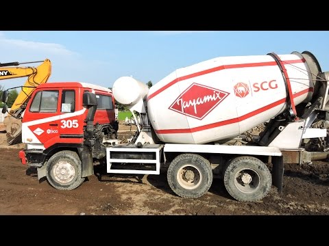 Cement Mixer Truck Nissan Diesel Working