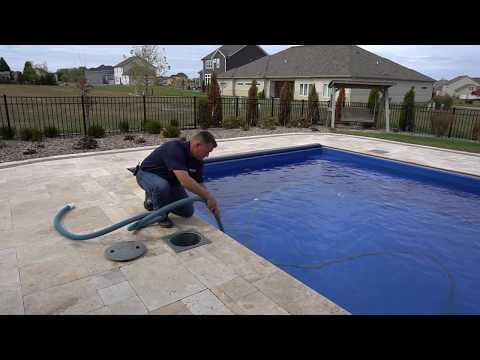 Pool School: Cleaning Your Pool : Vacuuming