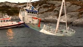 Brønnbåten REMØYBUEN grunnstøter og synker!