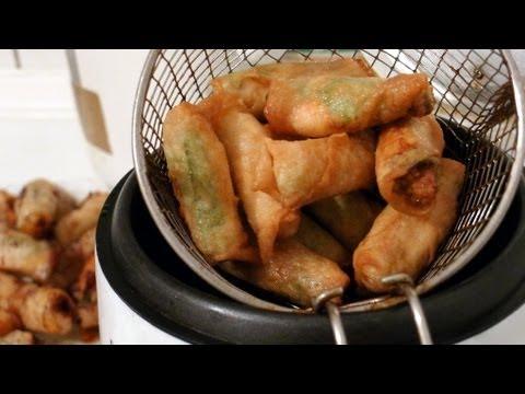 Vietnamese crispy spring roll - Nem rán / Ram Quảng/ Chả Giò