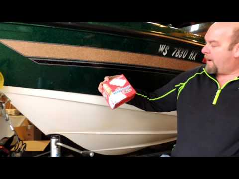 Remove boat scum and water lines easy from Fiberglass boat
