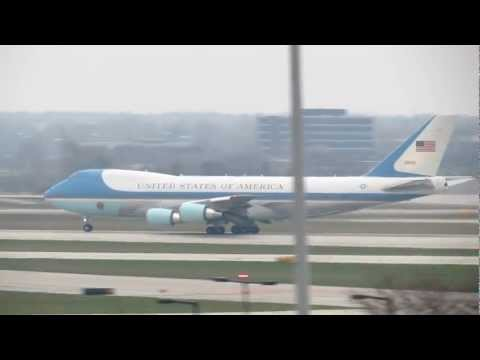 Air Force One departs O'Hare Int'l Airport with a VICTORIOUS President Obama aboard [11.07.2012]